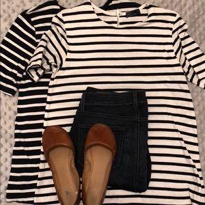 (2) GAP shirts